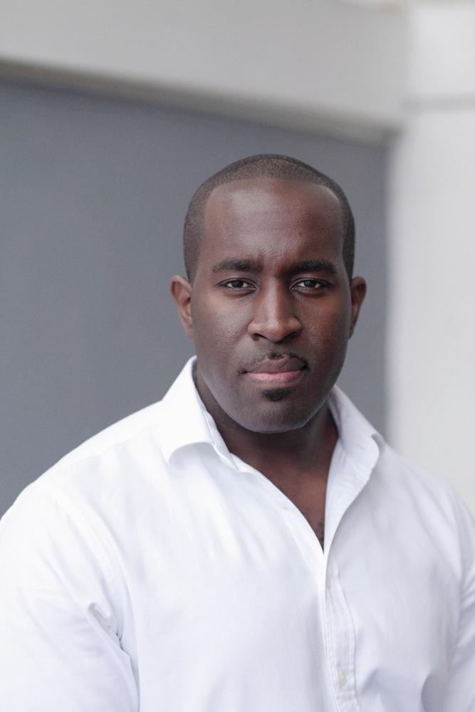 Darren J Benjamin