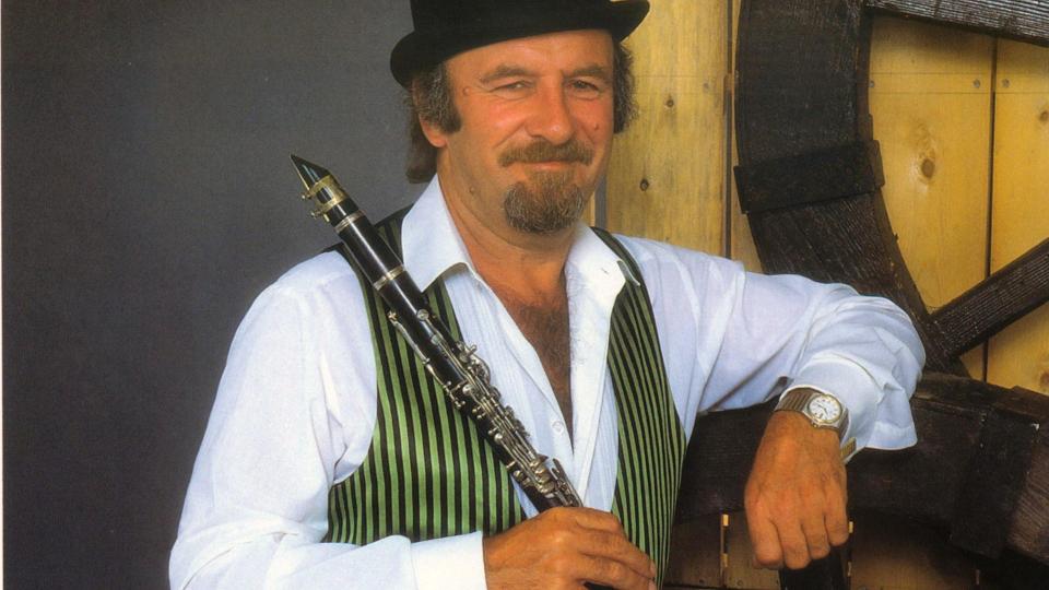 Legendary jazz clarinettist, Acker Bilk, dies aged 85